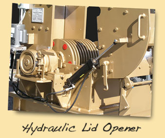 Hydraulic lids opens this Hammer Mill